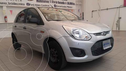 Ford Ikon Ambiente Ac usado (2015) color Plata precio $99,000