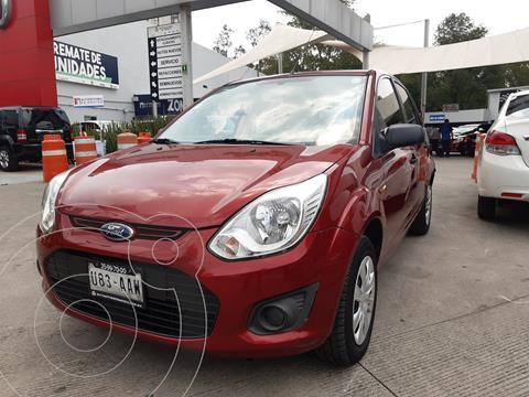 Ford Ikon Ambiente Ac usado (2014) color Rojo Mexicano precio $97,000