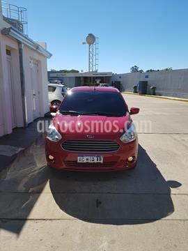 Ford Ka + SE usado (2018) color Rojo Merlot precio $800.000