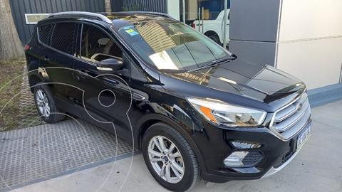 Ford Kuga 2.0L SEL 4x2 usado (2017) color Negro financiado en cuotas(anticipo $2.400.000 cuotas desde $57.000)