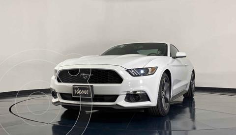Ford Mustang Coupe 3.7L V6 Aut usado (2015) color Blanco precio $429,999