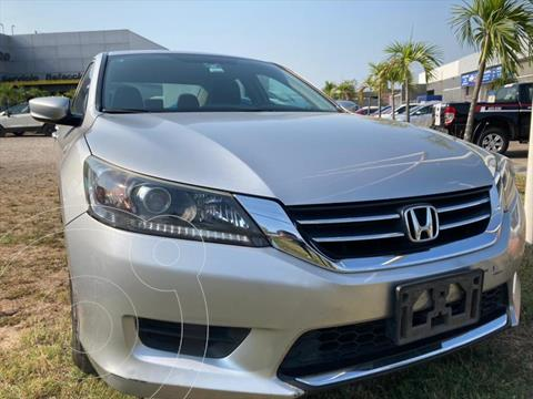 Honda Accord LX usado (2015) color Plata precio $318,900