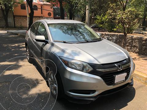 Honda HR-V Uniq usado (2017) color Plata precio $197,500