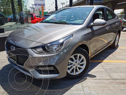 Hyundai Accent MID usado (2021) color Gris precio $280,800