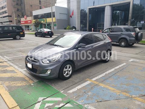 Hyundai Accent 1.4L GL Estandar usado (2017) color Plata precio u$s12,000