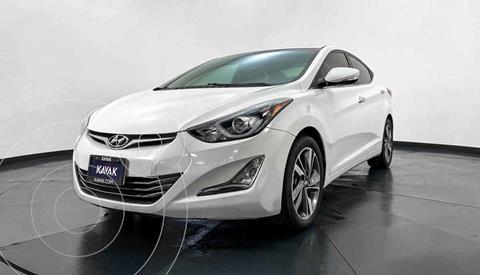 Hyundai Elantra Limited Tech Aut usado (2015) color Blanco precio $194,999