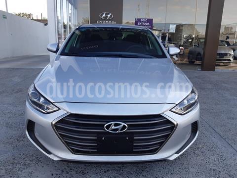 foto Hyundai Elantra GLS Aut usado (2018) color Plata Dorado precio $245,000