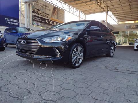 Hyundai Elantra Limited Tech Navi Aut usado (2018) color Negro precio $279,900