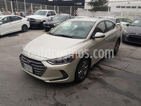 Hyundai Elantra GLS Premium usado (2018) color Bronce precio $250,000