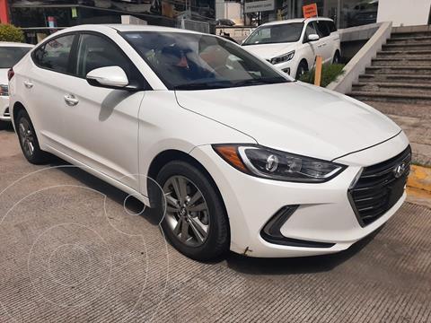 foto Hyundai Elantra GLS Premium usado (2018) color Blanco precio $239,000