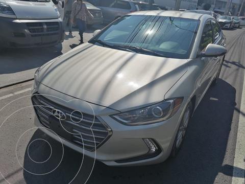 Hyundai Elantra GLS Premium usado (2018) color Dorado precio $249,900
