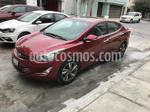 Hyundai Elantra Limited Aut usado (2015) color Rojo precio $155,000