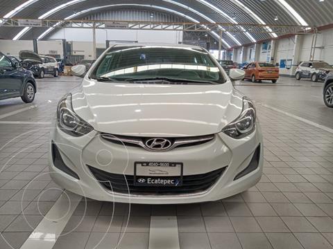 Hyundai Elantra GLS Aut usado (2016) color Blanco precio $180,000