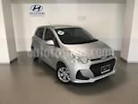 Foto venta Auto Seminuevo Hyundai Grand i10 GL MID (2018) color Plata precio $169,000