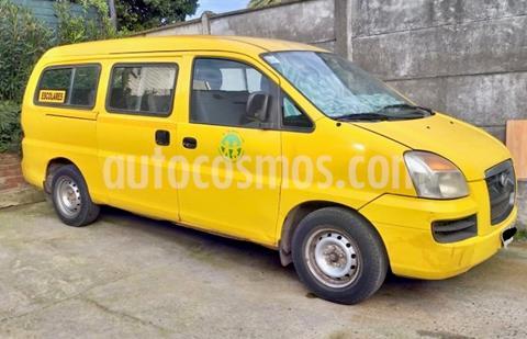 foto Hyundai H-1 Minibus SV 2.5 Diesel  usado (2006) color Blanco precio $6.000.000