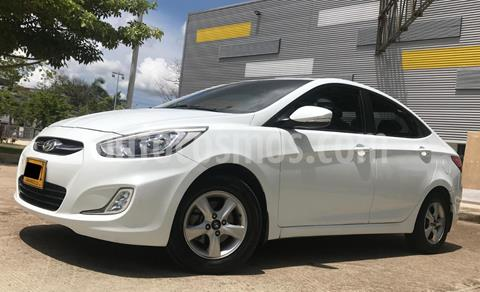 Hyundai i25 1.6 usado (2016) color Blanco Cristal precio $35.900.000