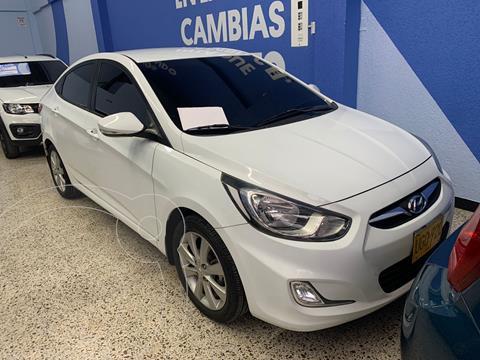 Hyundai i25 1.6 Full usado (2015) color Blanco precio $39.000.000