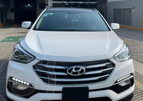 Hyundai Santa Fe Sport 2.0L Turbo usado (2018) color Blanco financiado en mensualidades(enganche $94,600 mensualidades desde $9,677)