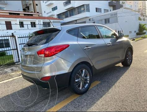 Hyundai Tucson 2.0 4x2 Aut usado (2015) color Gris precio $45.000.000