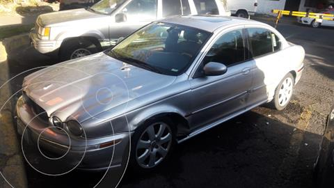 Jaguar X-type 2.5L V6 usado (2005) color Plata precio $59,000