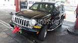 Foto venta carro usado Jeep Cherokee Limited 3.7L Aut 4x2 (2005) color Negro precio BoF36.000.000