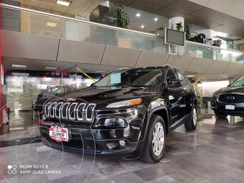 Jeep Cherokee Latitude usado (2015) color Negro precio $275,000