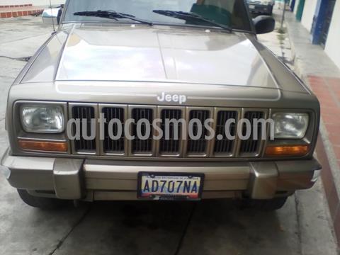 Jeep Cherokee Classic  Auto. 4x4 usado (1998) color Marron precio BoF1.600