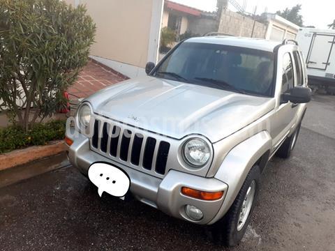 Jeep Cherokee Limited 4x2 usado (2004) color Gris precio BoF4.000.000