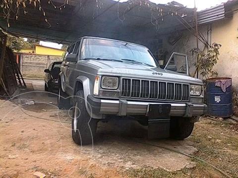 Jeep Cherokee Classic  Auto. 4x4 usado (1988) color Gris precio u$s2.000