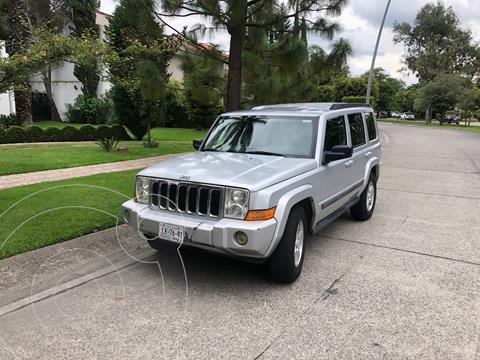 Jeep Commander 4.7L 4x2 usado (2007) color Plata precio $105,000