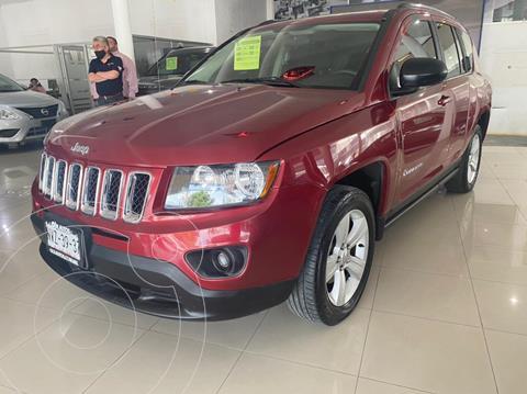 Jeep Compass 4x2 Latitude Aut usado (2015) color Rojo precio $224,900