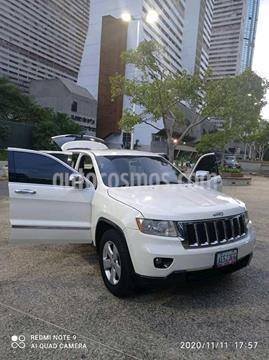 Jeep Grand Cherokee Laredo 4x4 (92l) V8,5.2i,16v A 1 2 usado (2012) color Blanco precio u$s11.000
