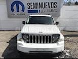 Foto venta Auto Seminuevo Jeep Liberty Limited JET 4x2 (2013) color Blanco precio $185,000