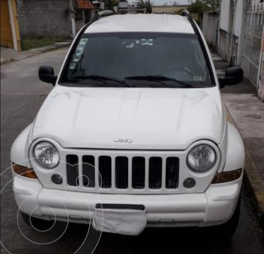 Jeep Liberty Limited 4X4 usado (2005) color Blanco precio $115,000