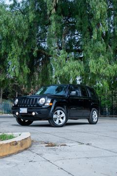 Jeep Patriot 4x2 Latitude Aut  usado (2015) color Negro precio $200,000