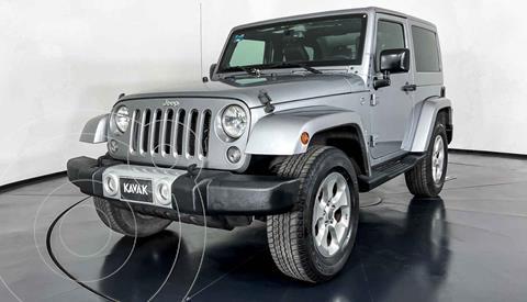 Jeep Wrangler Sahara 4x4 3.6L Aut usado (2014) color Plata precio $579,999