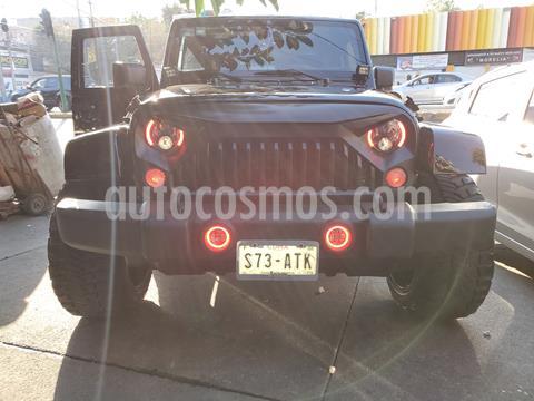 Jeep Wrangler JK Sahara 4x4 3.6L Aut usado (2015) color Negro precio $550,000