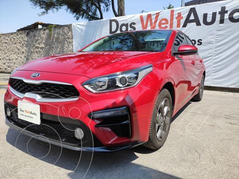 Kia Forte Hatchback LX 4P L4 2.0L TM usado (2021) color Rojo precio $310,000