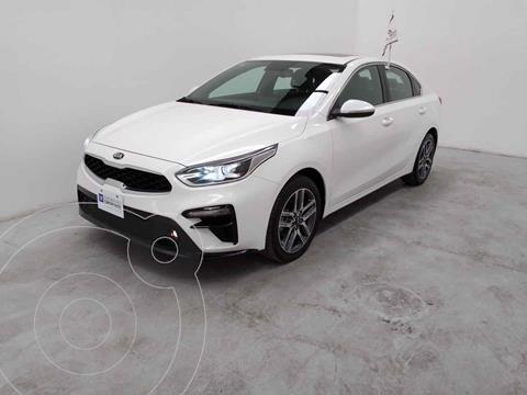 Kia Forte Sedan EX Aut usado (2019) color Blanco precio $315,000