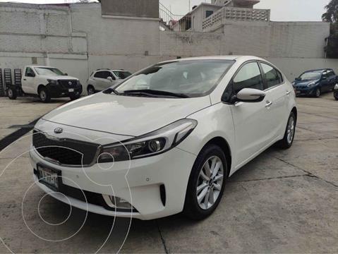 Kia Forte Sedan EX usado (2017) color Blanco precio $219,000