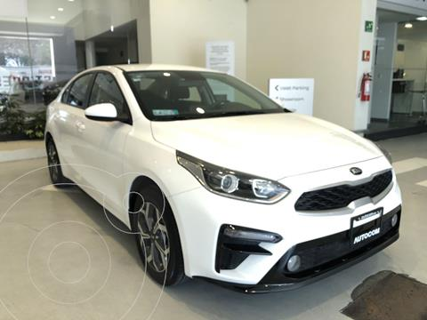 Kia Forte Sedan LX Aut usado (2019) color Blanco precio $255,000