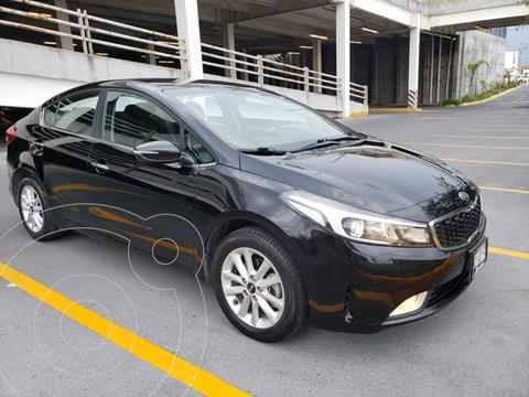 Kia Forte Sedan LX Aut usado (2018) color Negro precio $225,000