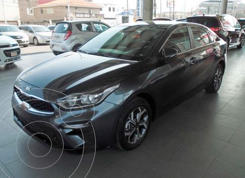 Kia Forte Sedan EX Aut usado (2020) color Negro precio $319,000