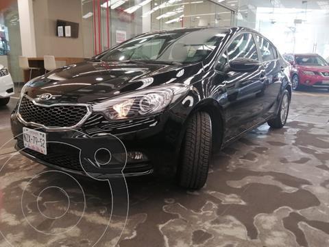 Kia Forte Sedan EX usado (2017) color Negro precio $180,000