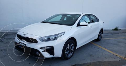 Kia Forte Sedan LX usado (2020) color Blanco precio $279,900
