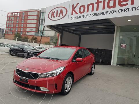 Kia Forte Sedan LX usado (2017) color Rojo precio $205,000