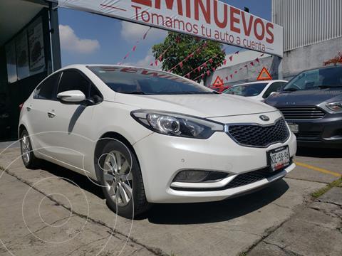 Kia Forte Sedan EX usado (2016) color Blanco precio $219,800