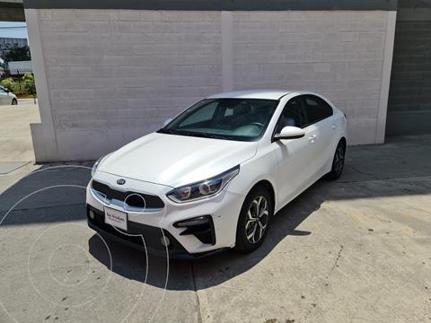 Kia Forte Sedan LX Aut usado (2020) color Blanco Perla precio $285,000