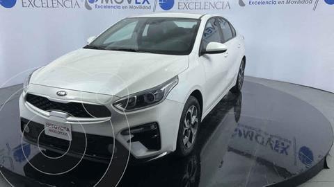 Kia Forte Sedan LX Aut usado (2020) color Blanco precio $288,000