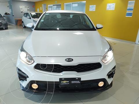 Kia Forte Sedan 2.0L LX usado (2020) color Blanco precio $316,900